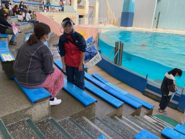 須磨水族館イルカショートレーナー